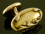 Larter acanthus leaf cufflinks crafted in 14kt gold. (J8803)