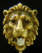 A fierce lion with diamond stickpin. (J9131)