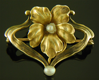 Art Nouveau flower brooch. (J9326)